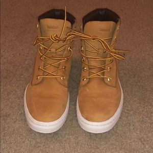Size 8 timberland shoes